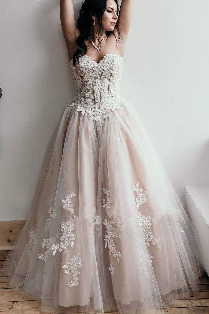 Chicloth Floor Length Sweetheart Tulle Wedding with Lace Appliques Long Dress