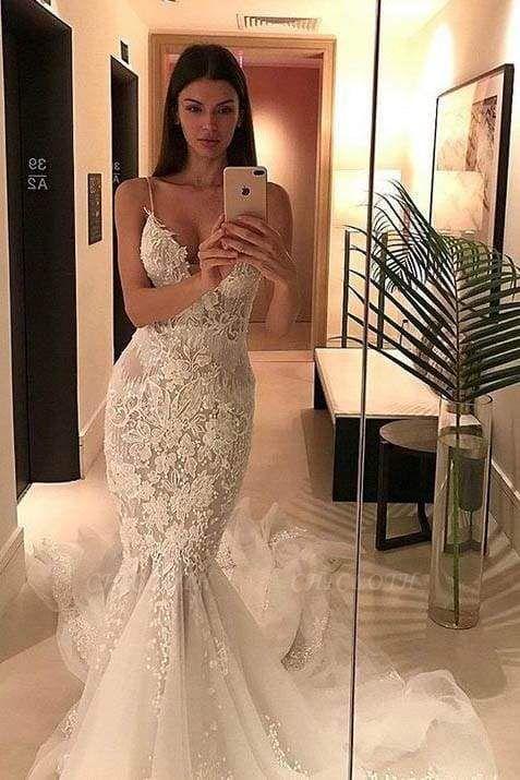 Chicloth Spaghetti Straps Mermaid Appliqued V-neck Tulle Wedding Dress