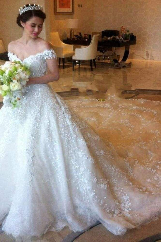 Chicloth Gorgeous Off the Shoulder Puffy Princess Lace Wedding Dress