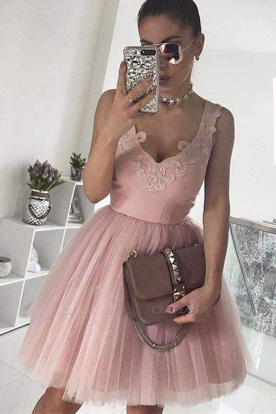Chicloth A-Line V-Neck Blush Pink Sleeveless Homecoming Appliqued Short Tulle Prom Dress