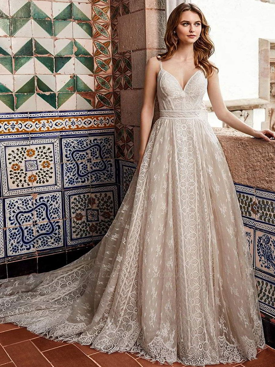 Wedding Gowns With Train V Neck Sleeveless Spaghetti Straps Lace Bridal Gowns