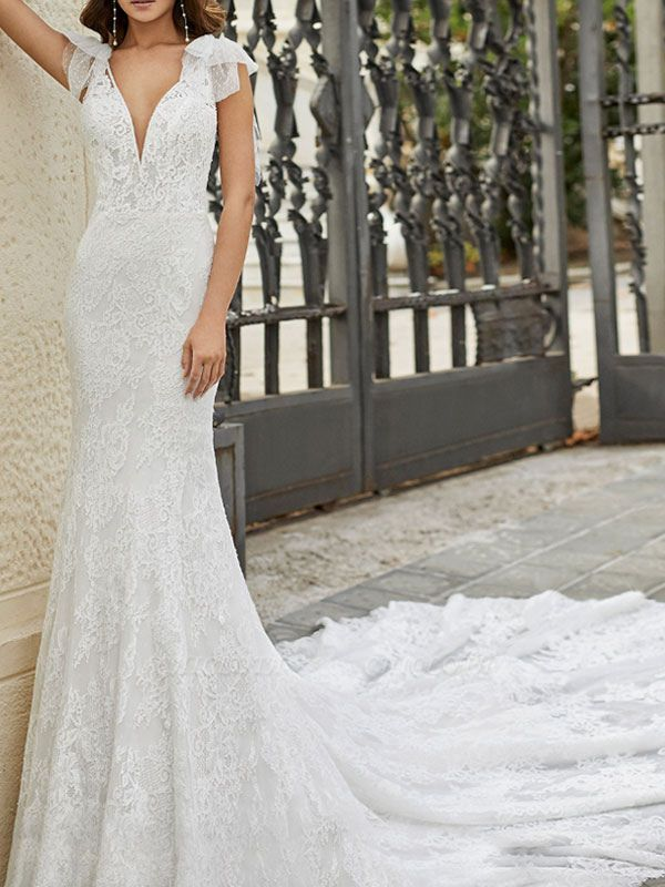 Wedding Dress With Train Mermaid Dress Sleeveless Lace V Neck Long Bridal Gowns