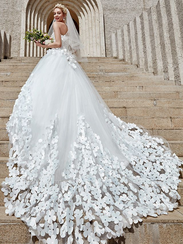 Ball Gown Wedding Dresses Strapless Court Train Tulle Strapless Country Glamorous Plus Size