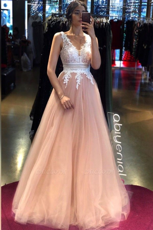 ZY243 Elegant Evening Dresses Long V Neckline Evening Wear With Lace