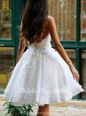 Chicloth Ball Ivory Knee-length Homecoming Dress with Flowers Appliqued Prom Gown_2