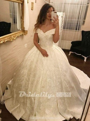 Chicloth Ivory Ball Gown Off-the-Shoulder Pleated Satin Lace Appliques Wedding Dress_2