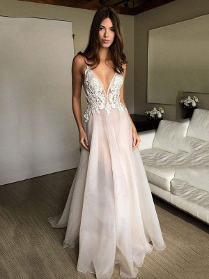Chicloth Deep V-neck Spaghetti Straps Lace Appliqued Beach Wedding Dress_1