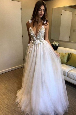 Chicloth Deep V-neck Beading Straps Tulle Appliques A-line Custom Beach Wedding Dress_1