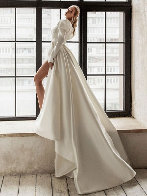 Vintage Wedding Dresses White Bridal Gowns Long Sleeves Wedding Dresses V Neck A Line With Train Bridal Gowns_2