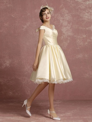 Short Wedding Gownses Satin Vintage Princess Wedding Dresses Knee Length Sleeveless Lace Edge Pleated Bridal Gown With Ribbon Bow Exclusive_4