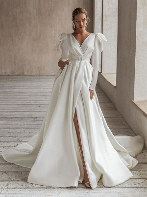 Vintage Wedding Dresses White Bridal Gowns Long Sleeves Wedding Dresses V Neck A Line With Train Bridal Gowns_1