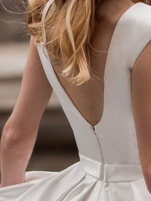 Vintage Wedding Dress 2021 A Line Bateau Neck Sleeveless Floor Length Satin Bridal Gown_3