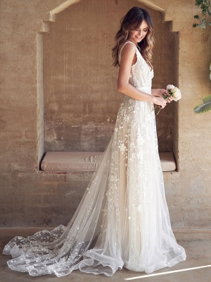 Wedding Dresses With Train A Line Sleeveless Lace V Neck Bridal Gowns_2