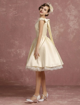 Short Wedding Gownses Satin Vintage Princess Wedding Dresses Knee Length Sleeveless Lace Edge Pleated Bridal Gown With Ribbon Bow Exclusive_5