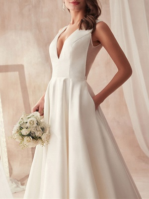Vintage Wedding Gowns 2021 A Line V Neck Sleeveless Floor Length Pleat Bridal Gowns With Train_4