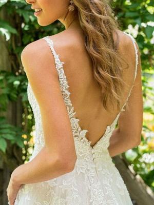 Cheap Wedding Dresses 2021 A Line V Neck Sleeveless Floor Length Beach Bridal Gowns With Train_4