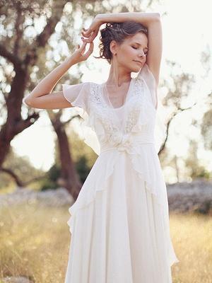 Cheap Wedding Dress A Line Designed Neckline Sleeveless Applique Chiffon Wedding Gowns_4