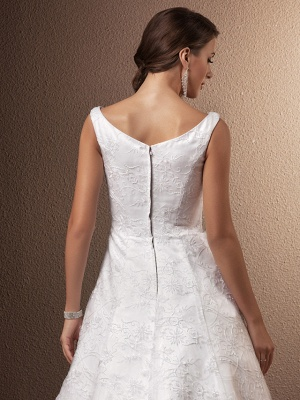 A-Line Wedding Dresses Bateau Neck Chapel Train All Over Floral Lace Regular Straps_6
