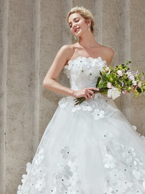 Ball Gown Wedding Dresses Strapless Court Train Tulle Strapless Country Glamorous Plus Size_18