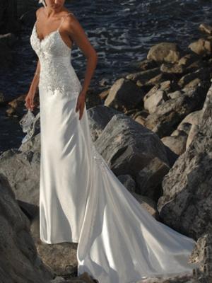 Mermaid \ Trumpet Wedding Dresses V Neck Sweep \ Brush Train Lace Sleeveless Formal Beach_1