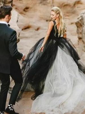 Ball Gown Wedding Dresses V Neck Court Train Tulle Regular Straps Sexy Plus Size Black_3
