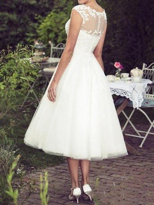 Ball Gown A-Line Wedding Dresses Jewel Neck Tea Length Lace Tulle Sleeveless Vintage Plus Size_2