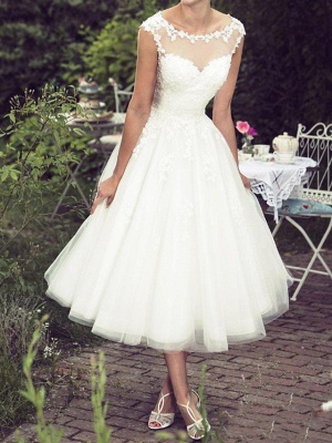 Ball Gown A-Line Wedding Dresses Jewel Neck Tea Length Lace Tulle Sleeveless Vintage Plus Size_1