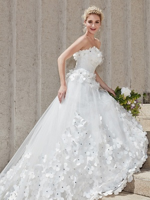Ball Gown Wedding Dresses Strapless Court Train Tulle Strapless Country Glamorous Plus Size_17