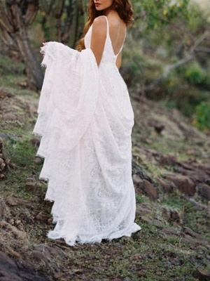 A-Line Wedding Dresses Spaghetti Strap Sweep \ Brush Train Lace Sleeveless Beach Vintage Sexy Wedding Dress in Color Backless_2