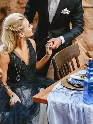 Ball Gown Wedding Dresses V Neck Court Train Tulle Regular Straps Sexy Plus Size Black_4