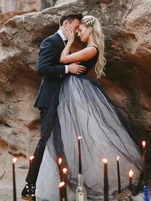 Ball Gown Wedding Dresses V Neck Court Train Tulle Regular Straps Sexy Plus Size Black_5