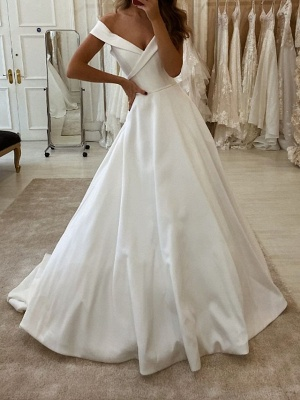 A-Line Wedding Dresses V Neck Sweep \ Brush Train Polyester Short Sleeve Country Plus Size_1