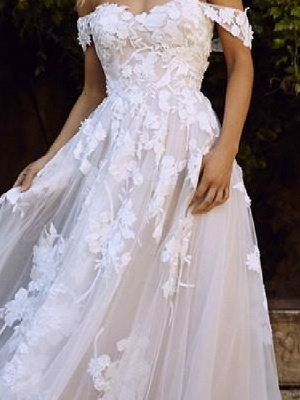A-Line Wedding Dresses Off Shoulder Sweep \ Brush Train Lace Short Sleeve Country Plus Size_4