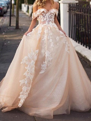 A-Line Wedding Dresses Jewel Neck Court Train Lace Tulle Short Sleeve Formal Wedding Dress in Color_1