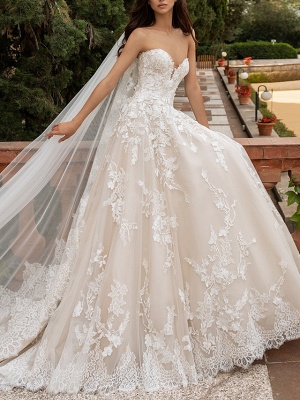 A-Line Sweetheart Neckline Sweep \ Brush Train Lace Strapless Romantic Illusion Detail Wedding Dresses_1